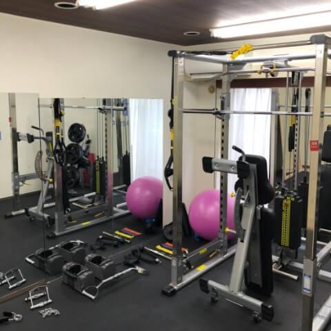 パーソナルトレーニングジム池袋西口店のトレーニング器具