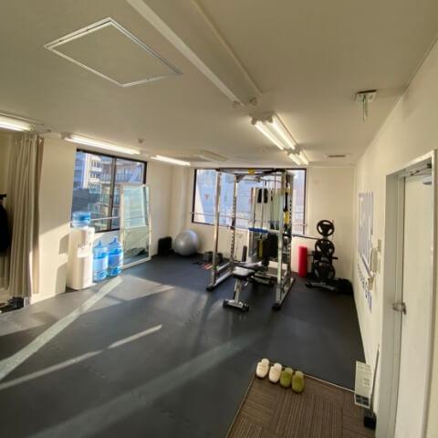 パーソナルトレーニングジム北千住店のトレーニング器具