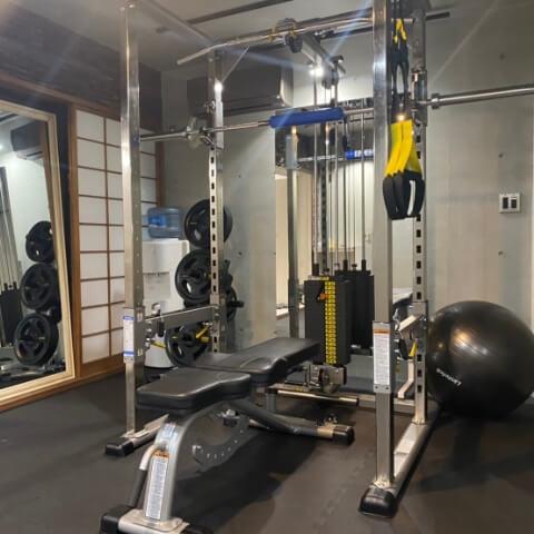 パーソナルジムティーバランス西新宿店のトレーニング器具