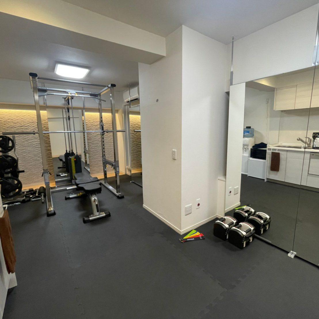 パーソナルジムティーバランス新宿南口店のトレーニングスペース